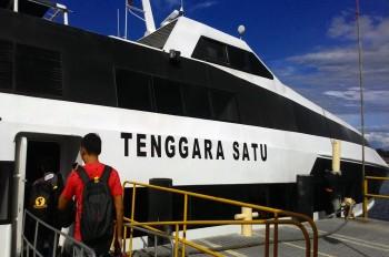 Tenggara Satu, Speedboat Andalan Menuju Tambang Batu Hijau
