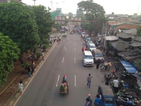 Lancarkan Operasi Pekat, Akses Menuju Jalan Tubagus Angke Ditutup