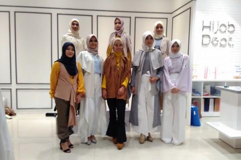 Baju Muslim Khusus Ibu Menyusui