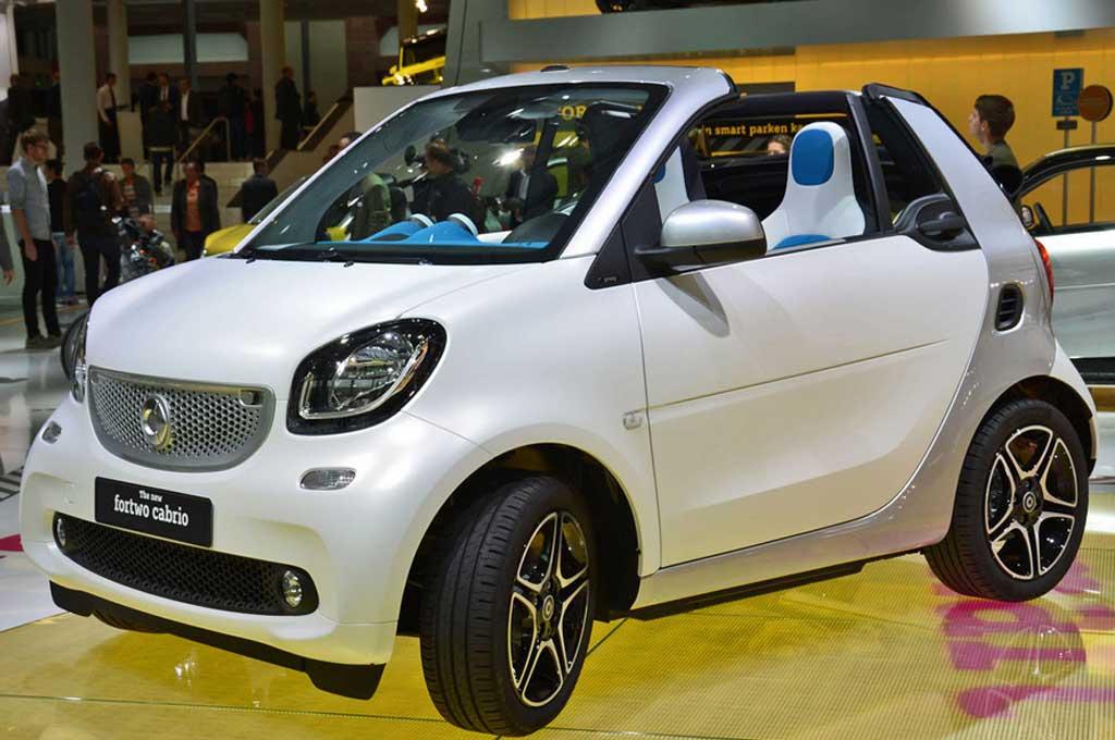 Daimler mempercayakan Brabus untuk mengembangkan Smart ForTwo edisi sport. Leftlanenews