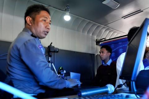 Polrestabes Makassar Lakukan Layanan SIM Online Keliling
