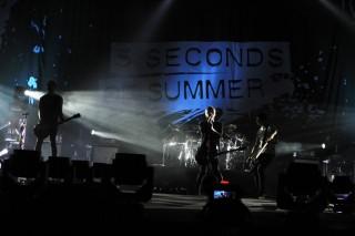 5 Seconds of Summer Puaskan Penonton Indonesia