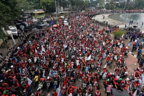 House Proposes Evaluation of Minimum Wage Regulation