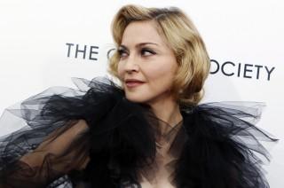 Madonna Bantah Mabuk saat Konser