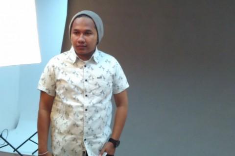 Erix Soekamti Bebaskan Penyanyi 'Asuhannya'