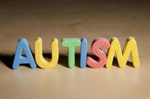 Autisme Dapat Dideteksi dari Tatapan Mata