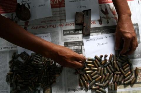 Pensiunan Polisi Simpan Ribuan Peluru Aktif