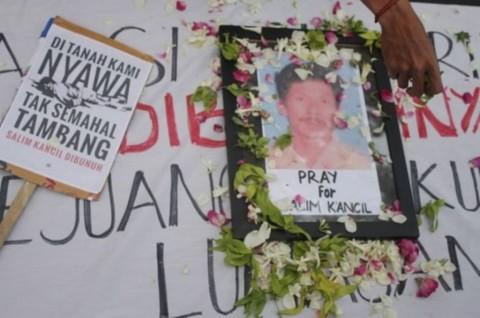 Terdakwa Pembunuhan Salim Kancil Hadapi Tuntutan