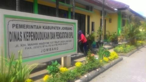 Bikin Kartu Keluarga di Jombang Butuh Waktu 2 Bulan