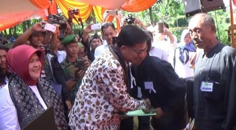 Ribuan Sertifikat Tanah di Kabupaten Bogor Diserahkan ke Petani