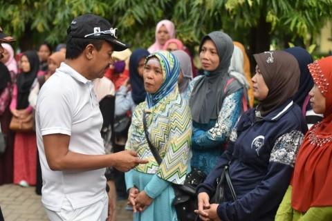 Nyono Suharli Sidak Pelayanan Disdukcapil Jombang