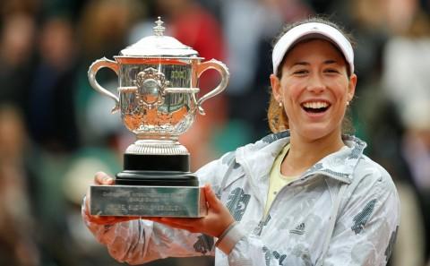 Taklukkan Serena, Muguruza Raih Gelar Perdana Grand Slam