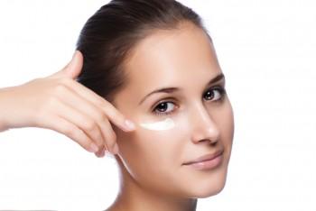 Cara Efektif Mencegah Keriput di Sekitar Mata