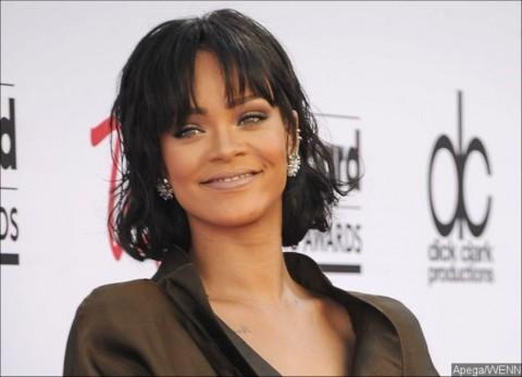 Batalkan Konser di Nigeria, Rihanna Dituntut