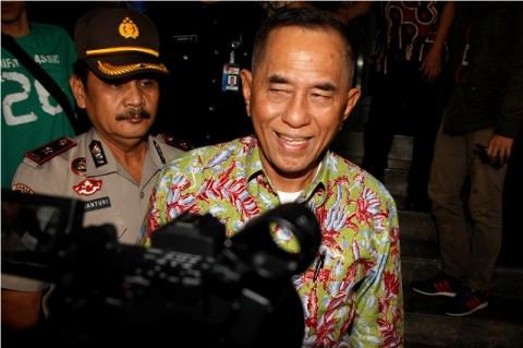 Menhan Persilakan Tangan Perwira TNI Penjual Upal Dipotong