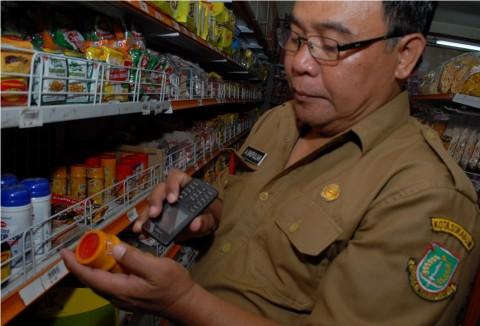 Ratusan Produk Makanan Bermasalah Ditemukan di Jawa Barat