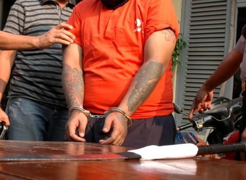 Wartawan dan Polisi Gadungan Peras Pasangan Mesum