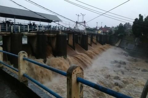Hujan Deras, Bendungan Katulampa Siaga III