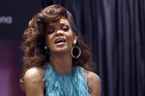 Rihanna Takut Terserang Virus Zika, Festival Lollapalooza Kolombia Dibatalkan