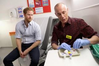 Pangeran Harry Tes HIV, Apa Hasilnya?
