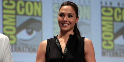 Gal Gadot Bersyukur Wonder Woman Disutradarai Perempuan