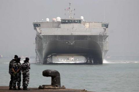 Kapal Perang USNS Millinocket Tiba di Surabaya