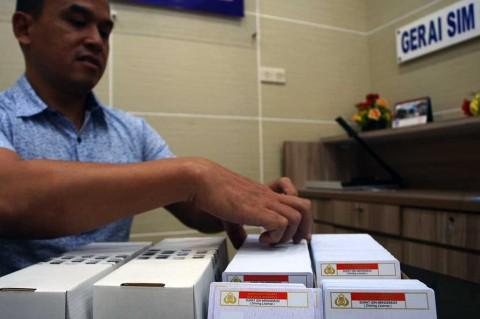 Polda Metro Jaya Pastikan Material SIM Tersedia