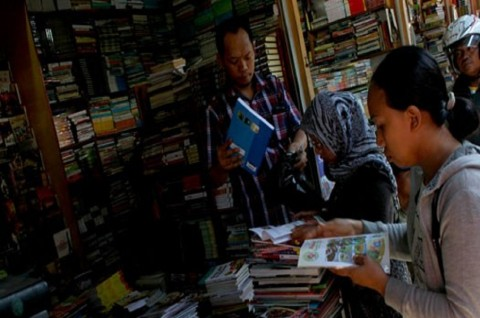Lantai Kios tak Dikeramik, Pedagang Buku Bekas Ogah Pindah