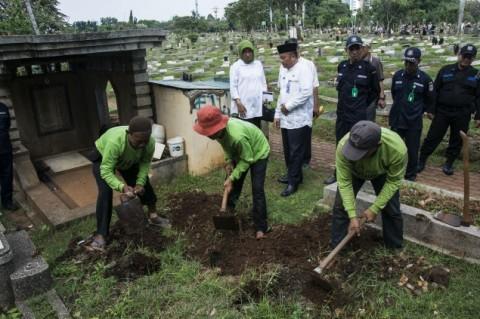 Warga Hanya Wajib Bayar Biaya Retribusi Pemakaman