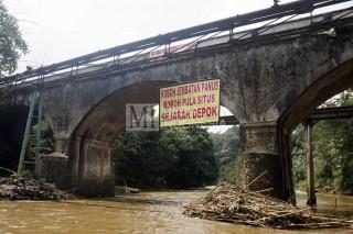 Jembatan Peninggalan Kolonial Belanda Rusak