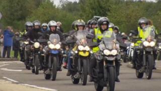 Ratusan <i>Bikers</i> Triumph, Konvoi untuk Tumor