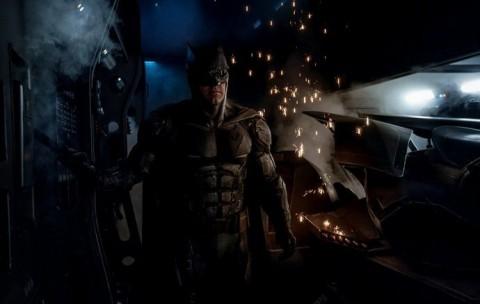 Sutradara Bocorkan Kostum Baru Batman di Justice League