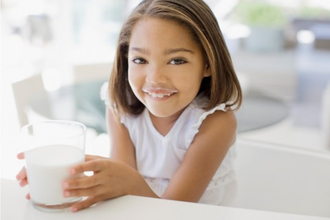Manfaat Susu Bagi Si Kecil