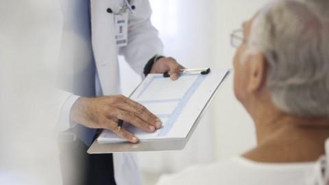 Pengobatan Surveilans Aktif Disarankan untuk Orang yang Tua