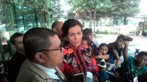 Istri Irman Gusman Dicecar Soal Penangkapan Suaminya