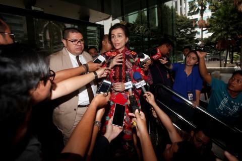 <i>Shock</i> Suami Ditangkap, Istri Irman Gusman Sempat Mangkir Dua Kali