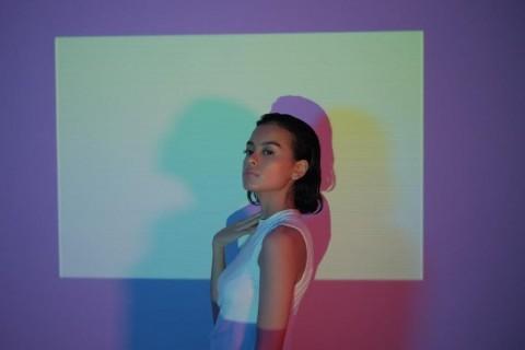 Eva Celia Rilis Video Musik Singel Against Time