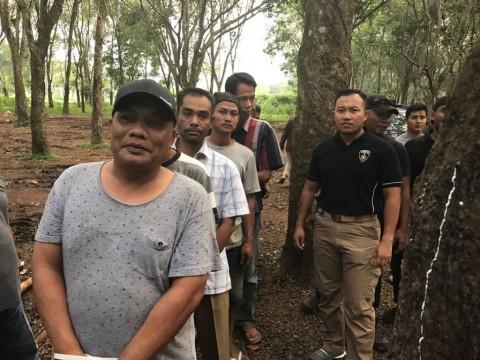 Polisi Gerebek Gudang Gas Oplosan di Kawasan Hutan Karet Bogor
