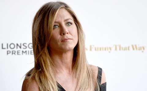 Jennifer Aniston Tak Pernah Peduli Perceraian Brad Pitt & Angelina Jolie