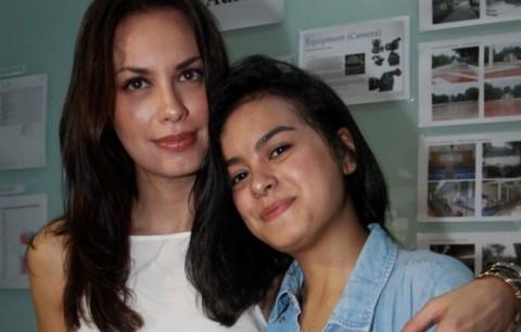 Eva Celia Dukung Sang Ibu Jadi Jubir Ahok