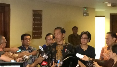 Jokowi: Masih Ada Orang Indonesia Menabung di Bawah Bantal hingga Rp1 Triliun