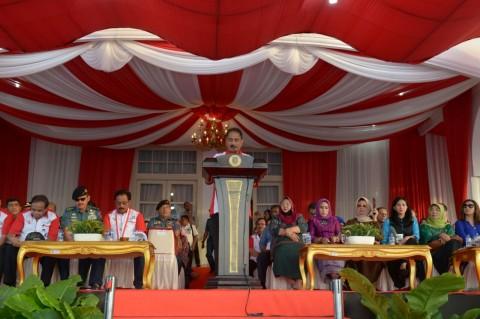 Menpar Arief Yahya Berpantun di Festival Bahari Kepri 2016