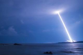 Tiongkok Luncurkan Roket Pengangkut Berat