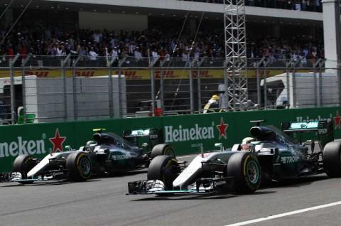 Mercedes GP Jamin Pasok Mobil yang Sama Buat Hamilton dan Rosberg