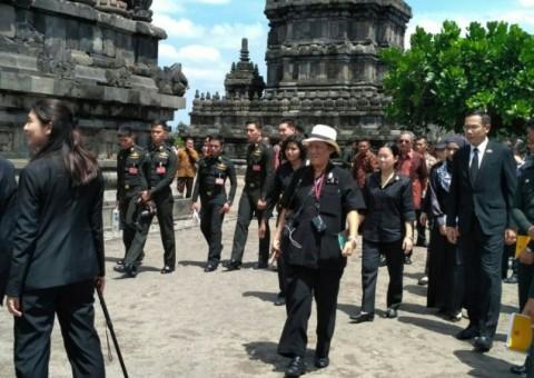 Thai Princess Visits Prambanan Temple
