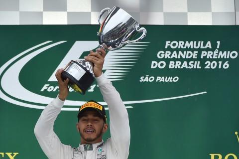 Sukses di Brasil, Hamilton Buka Peluang Juara F1