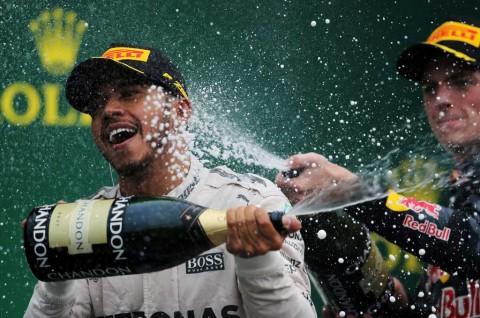 Grip Sempurna, Kunci Hamilton Menangi F1 Brasil