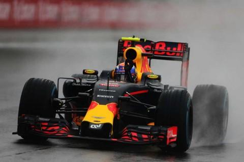 Pirelli Puji Cara Verstappen Maksimalkan Ban Basah