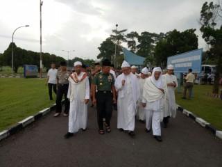 Panglima TNI Ikut Doa Bersama untuk Keselamatan Bangsa di Medan