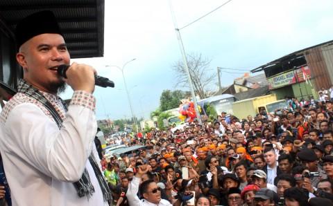 Kenapa Bukan Jokowi yang Melaporkan Ahmad Dhani?
